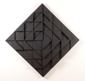 Ad Dekkers, Reliëf met zwarte driehoeken